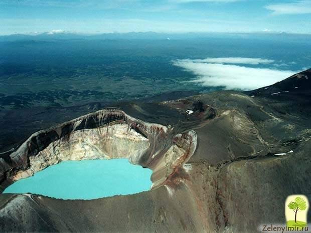 Устрашающий вулкан Малый Семячик с кислотным озером. Камчатка, Россия - 11