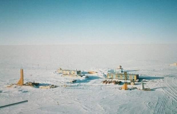 1982 год. 20 рабочих героически тушат пожар на станции «Восток» и выживают в Антаркиде.