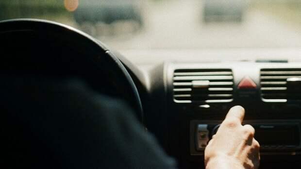 Водитель в Волгоградской области погиб под колесами собственного внедорожника