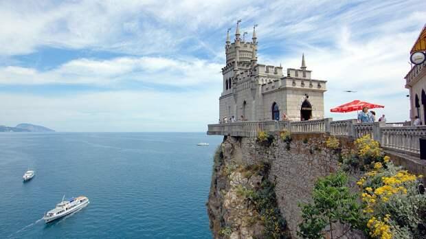 Кулеба предрек России «камни с неба» за Крым