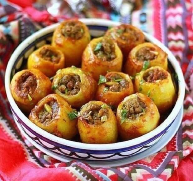 Отличный рецепт для вкусного и сытного ужина – фаршированный картофель