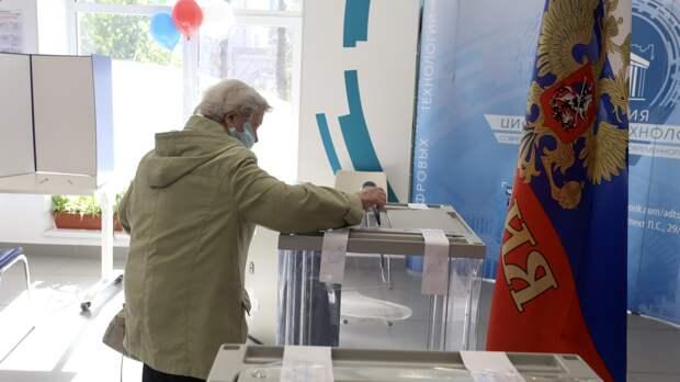 ЦИК зафиксировал 12 случаев вбросов бюллетеней в восьми регионах России