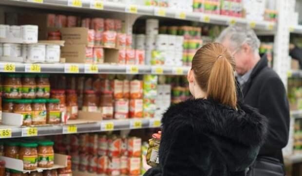 Продукты в российских магазинах заметно подорожали
