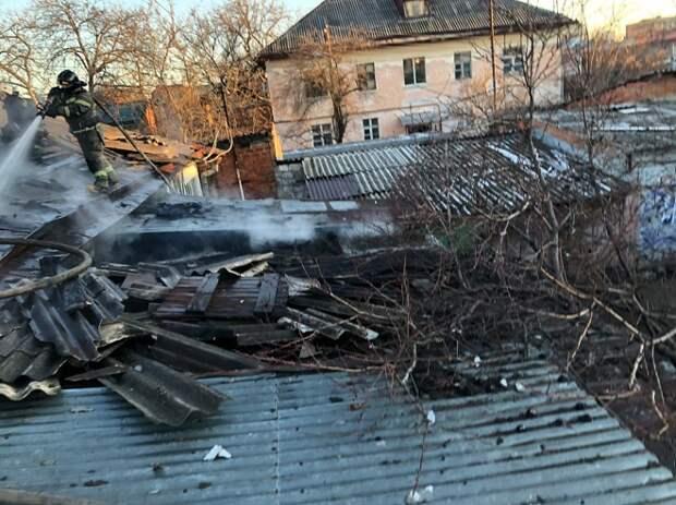 В Краснодаре из-за пожара в доме эвакуировали 15 человек