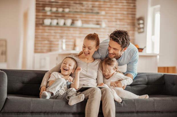Кому проще экономить – холостым или семейным?