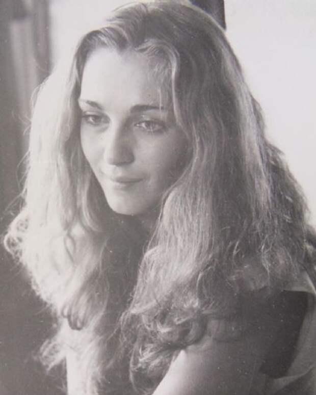Как выглядела в детстве Анастасия Ягужинская из «Гардемаринов», и как с годами преобразилась ее красота, изображение №6