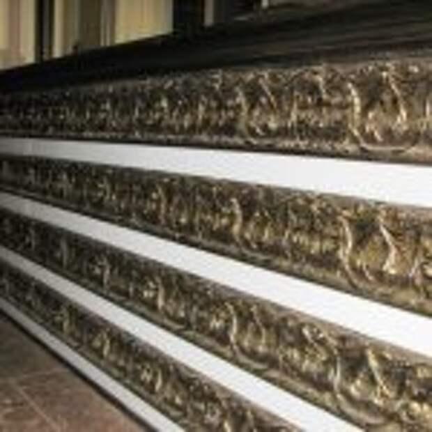 Ресепшн в рестран-ручная резьба,массив,дуб,покраска, патина, 120х400х50см