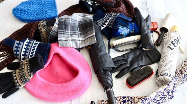 Как же мне надоел вечный бардак в прихожей: шапки, перчатки, щётки валяются как попало. Покажу, что придумала для порядка