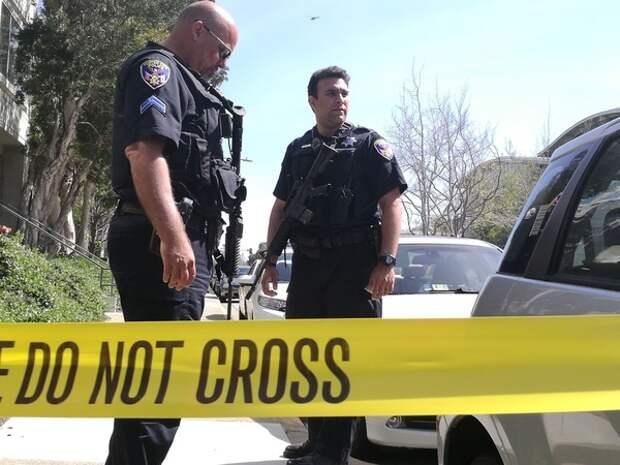 Один человек погиб и пятеро пострадали из-за стрельбы в Сиэтле