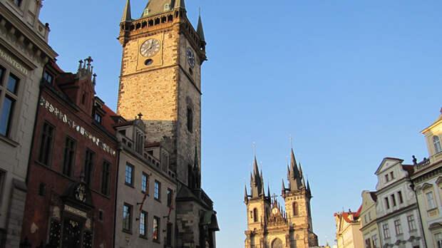МИД РФ оставил в посольстве Чехии пятерых дипломатов