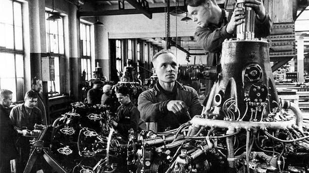 Неразбериха с учетом иностранной рабочей силы иногда приводила к тому, что бригады попадали на непрофильные для них производства. Например, металлурги — на вагоностроительный завод, а фрезеровщики — на часовой