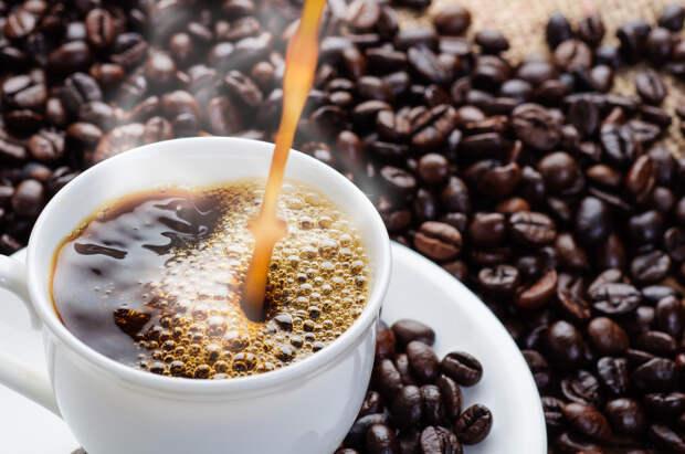 Как кофе действует на организм: 4 мифа, в которые продолжают верить