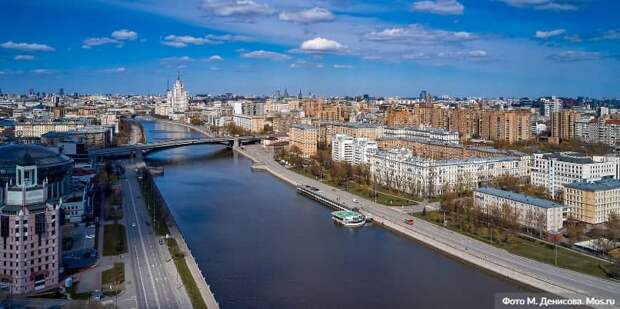 Инна Святенко призвала москвичей участвовать в волонтёрской помощи пожилым