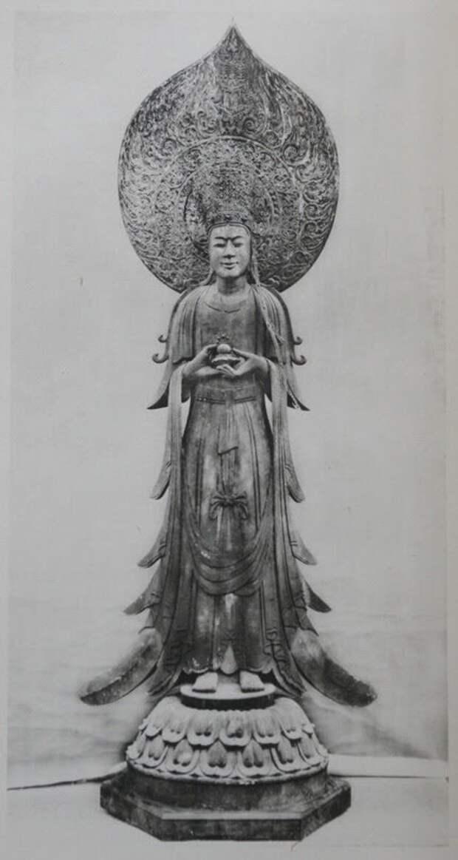 Статуя, выполненная по образу царя Сон.