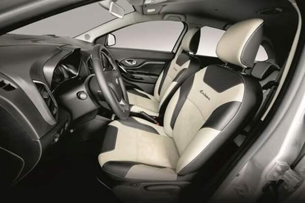 Lada XRAY в эксклюзивной комплектации - шильдик, вышивка, подсветка