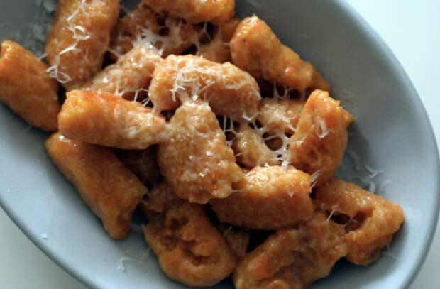 Смешали картошку с сыром и варим: вместо пельменей и галушек