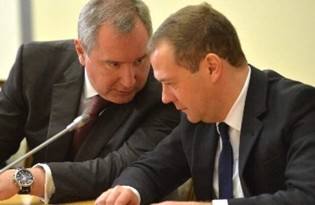 Медведеву, попросившего Рогозина «меньше говорить и больше делать», предложили начать с себя