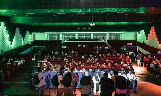 Впервые за последние 30 лет в Сомали местные жители смогли посетить кинотеатр