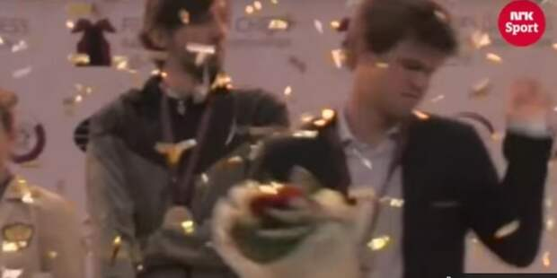Карлсен сбежал с церемонии награждения Карякина