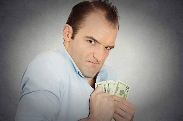 Должна отдавать всю зарплату мужу, а потом выпрашивать у него денег на самое нужное. Может и не дать