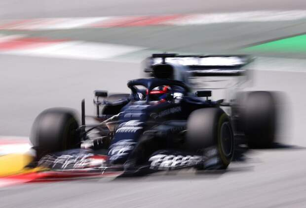 Квалификация ГП Испании: Цунода провалился, Шумахер впереди Латифи