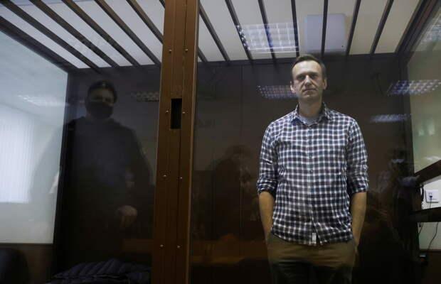 «Западные партнёры преисполнены фантазий»: Захарова об учениях России, ситуации с Навальным и вакцинации от COVID-19