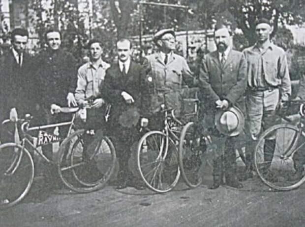 Кругосветка на велосипеде — как советским студентам удалось обогнуть Землю в условиях мировой изоляции (5 фото)