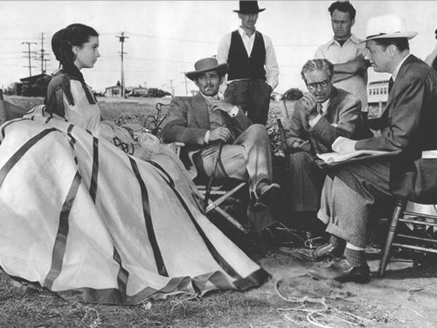 Виктор Флеминг, Клар Гейбл и Вивьен Ли на съемках «Унесенных ветром»