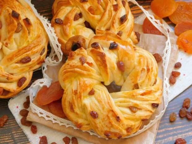 Слоёные булочки с сухофруктами и орехами. Нежное лакомство с любимым с насыщенным вкусом 2
