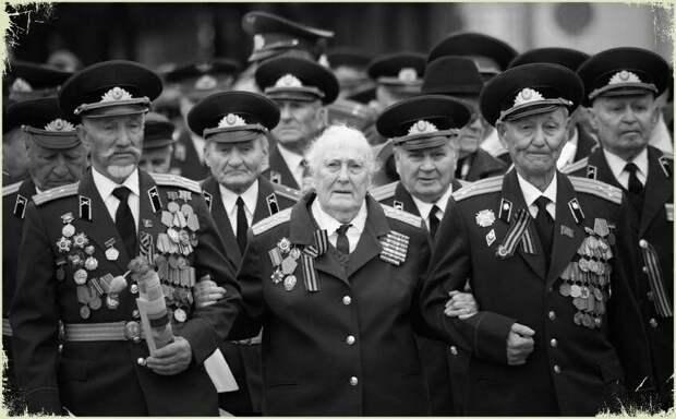 Что стоит за оскорбительными высказываниями против ветеранов и дня Победы