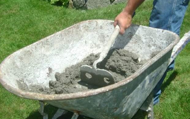 Хитрость, которая поможет при замешивании бетона