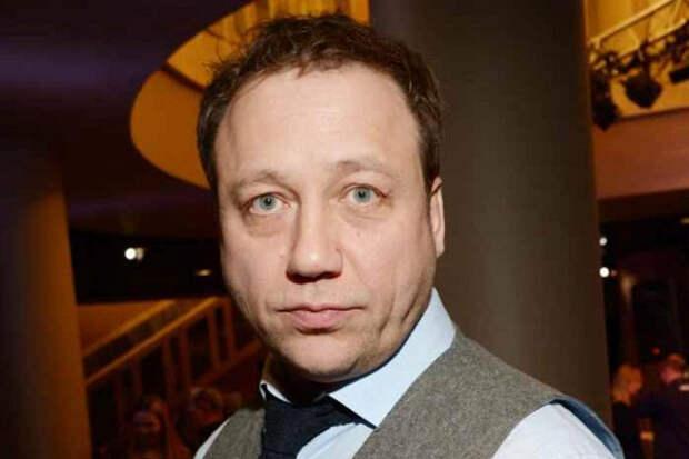 «Сидим безденег»: Дронов из«Ворониных» рассказал обедственном положении актеров сериала