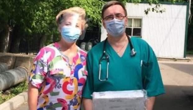 Волонтеры Подольска передали 600 защитных экранов медработникам округа