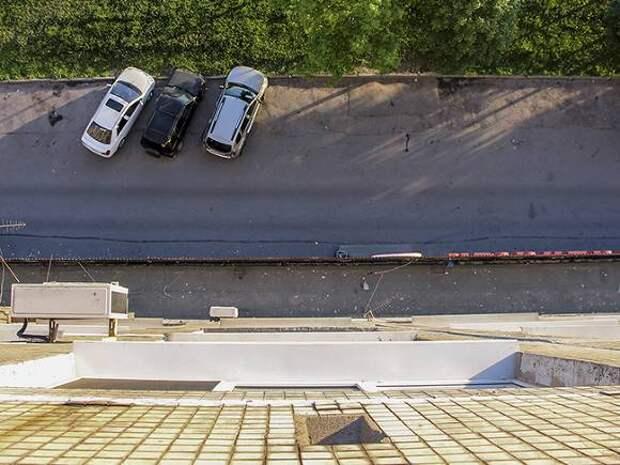 В Москве двухлетняя девочка упала с высоты третьего этажа