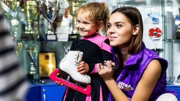 Сотникова после открытия своей школы фигурного катания заявила, что готова конкурировать с Тутберидзе и Плющенко