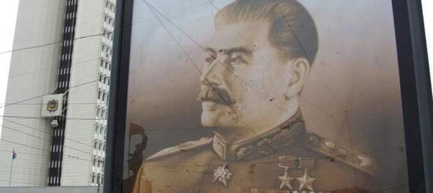 Юбилей Солженицына превратился в бенефис Сталина!