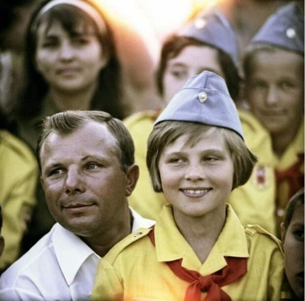 В этом году Юрию Гагарину бы исполнилось 85 лет