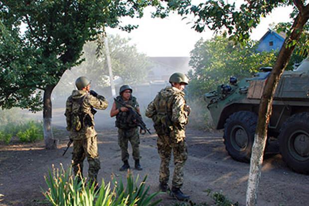 Порошенко нашел виновных в подрыве обороны Иловайска