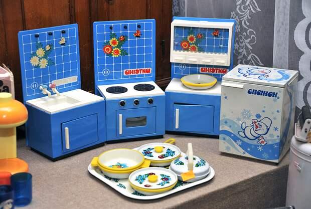 """17. Кухонный гарнитур """"Анютка"""" детские игрушки, игрушки ссср, ностальгия, раритет, фото"""