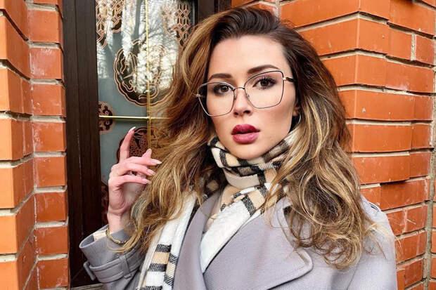 Дочь Заворотнюк: «Мои розовые очки разбились о скалы реалий»