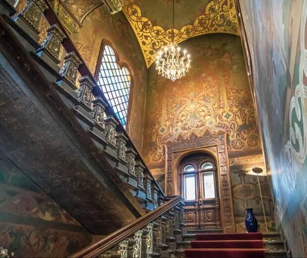 За что архитектор проклял свой дом: загадки пряничного терема на Якиманке