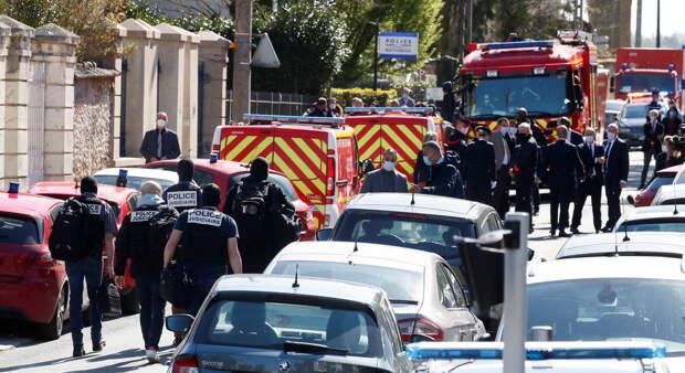 Теракт во Франции: араб зарезал полицейскую