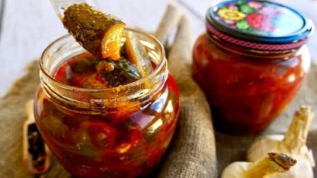 Потрясающая закуска из огурцов: можно кушать уже через сутки или заготовить на зиму