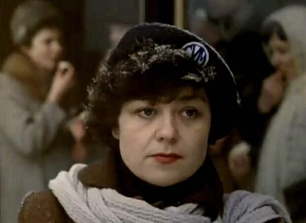 Кадр из фильма «Военно-полевой роман», 1983 г.