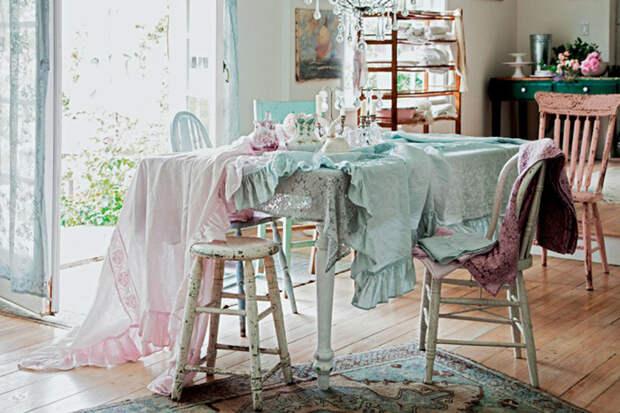 Рэйчел с детства любила старинную мебель и воплотила эту любовь в дизайне.