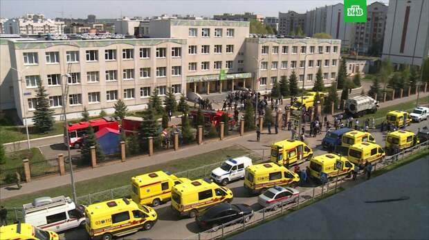 Семьи погибших при стрельбе в казанской школе получат по миллиону рублей