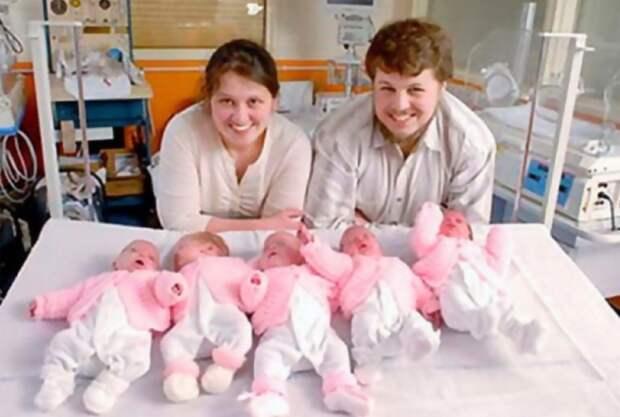 Как выглядят и живут теперь пятерняшки Артамкины, которых спас русский благотворитель и британские врачи