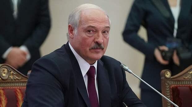 Путин попытался представить Лукашенко наивным простачком
