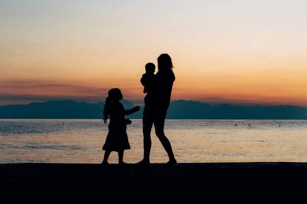 Беременные женщины и одинокие родители в Удмуртии с 1 июля смогут получать новые социальные выплаты