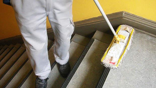 Особенности уборки лестницы в многоквартирном доме